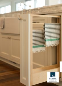 Cabinet Storage Plato pull out towel rack