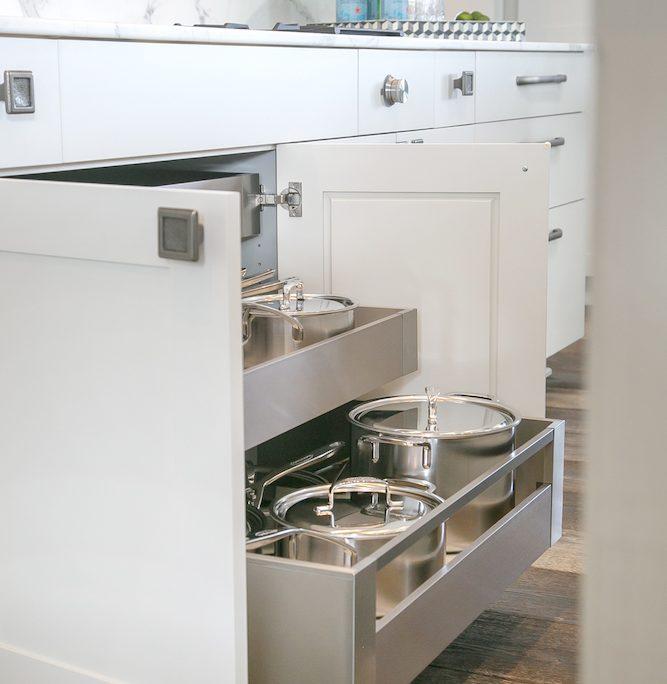 Farmhouse Plato Woodwork Kitchen Cabinetry Pullout shelves pots pans
