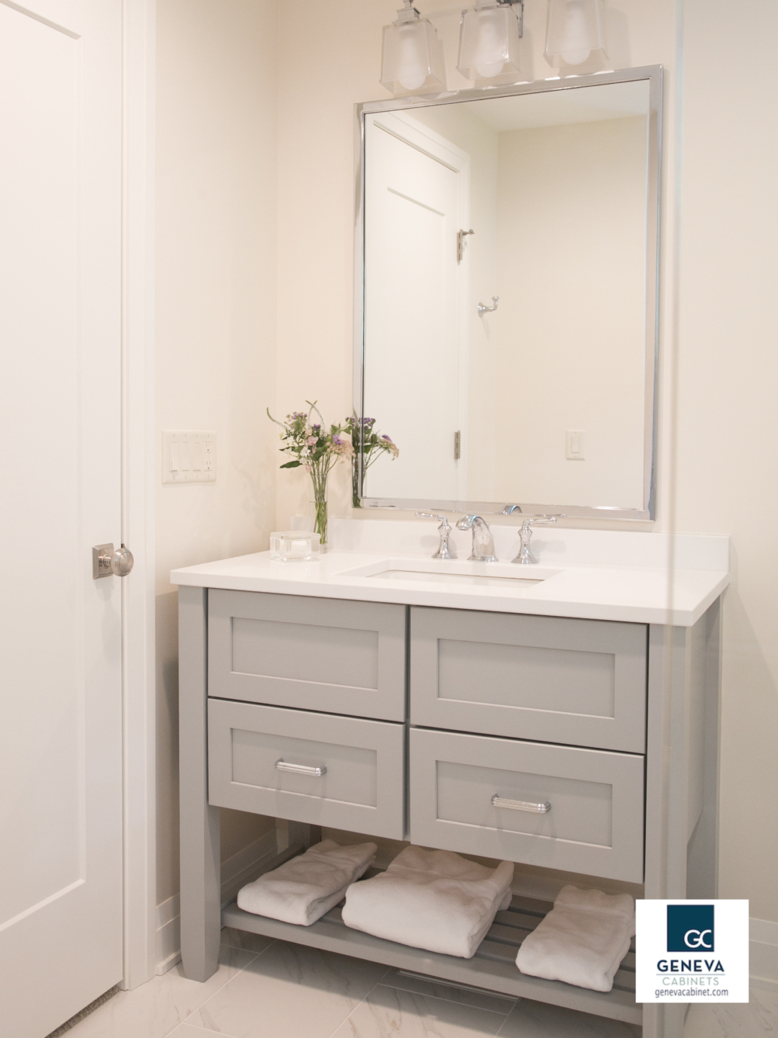 Medallion bathroom vanity with open and closed area
