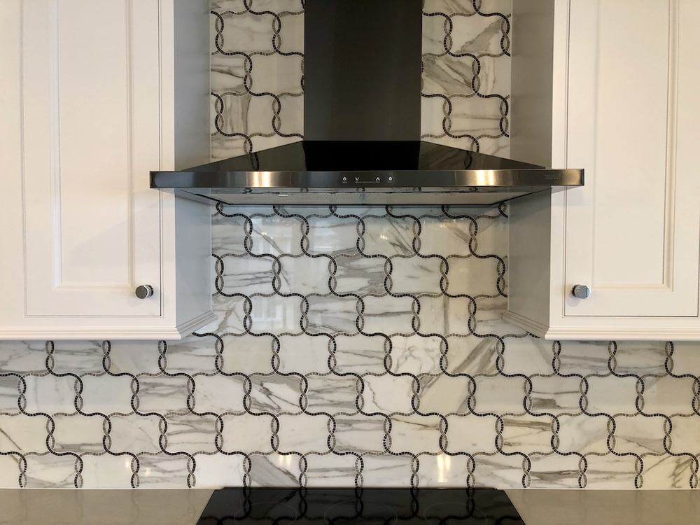 Material mix backsplash design