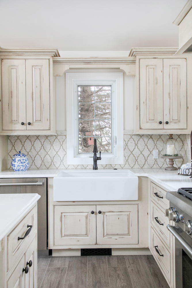 shapely @artobrick Stone tile backsplash